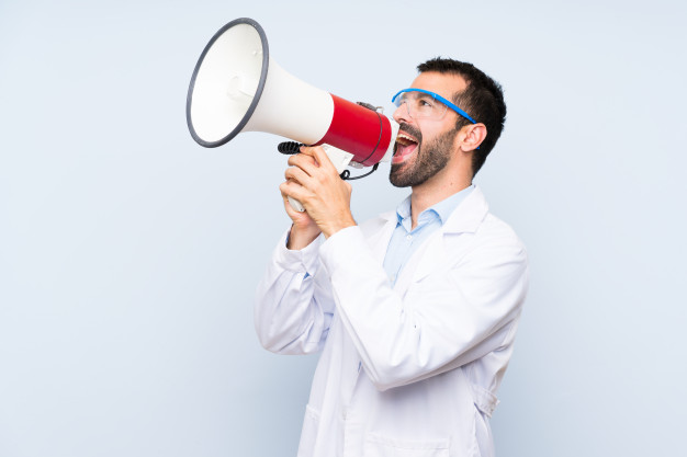 https://podoleanu-paun.ro/wp-content/uploads/2020/03/young-scientific-holding-laboratory-flask-shouting-through-megaphone_1368-56511.jpg